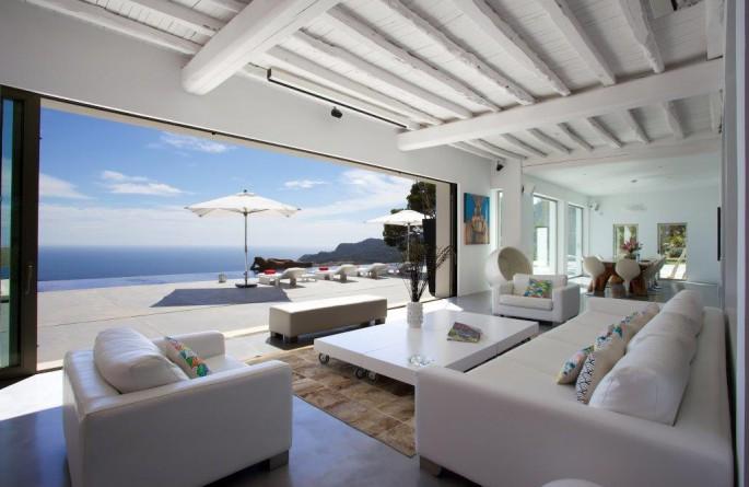 Sleek and Stylish luxury villas in Mallorca and Ibiza