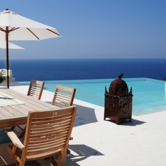 Read our customers testimonials about the villas we rent